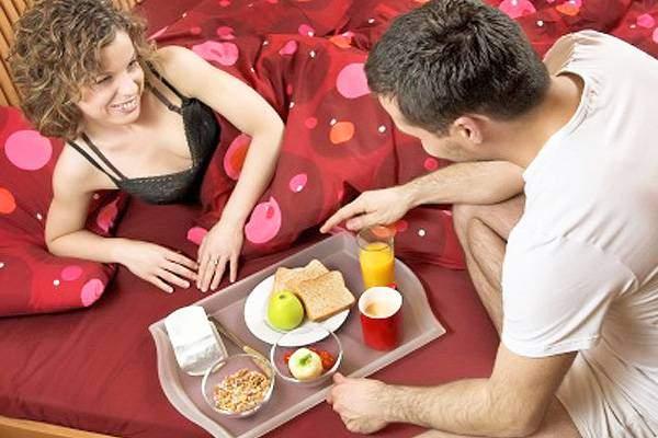 Why Men Aren't Romantic :: Text The Romance Back Now! 1