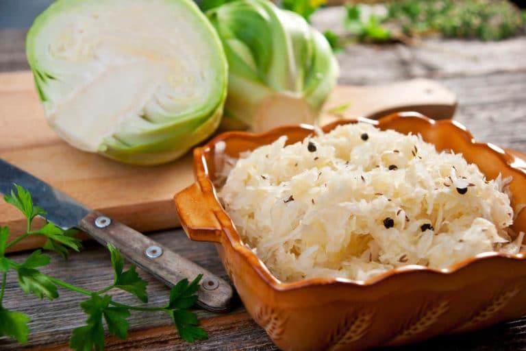 Квашеная капуста для похудения: калорийность и польза
